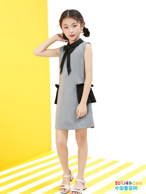 女孩如何穿出高级感?怎样才能把灰色搭配出优雅气质?
