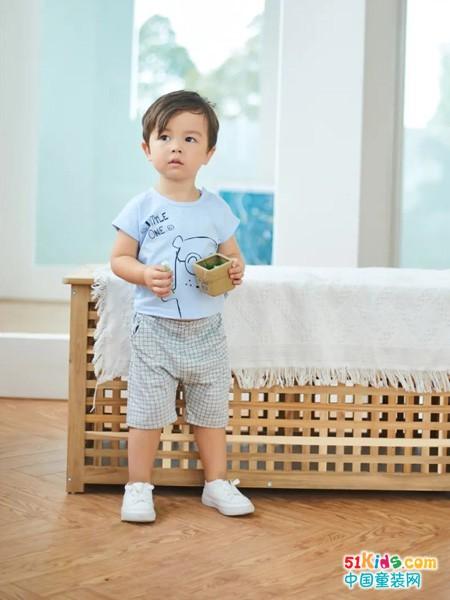 有哪些适合两三岁宝宝穿的时尚经典款?胖宝宝怎么穿舒适又显瘦?