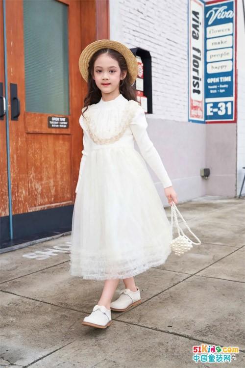 芭乐兔丨新育儿时代,品牌童装要如何助力孩子的健康成长