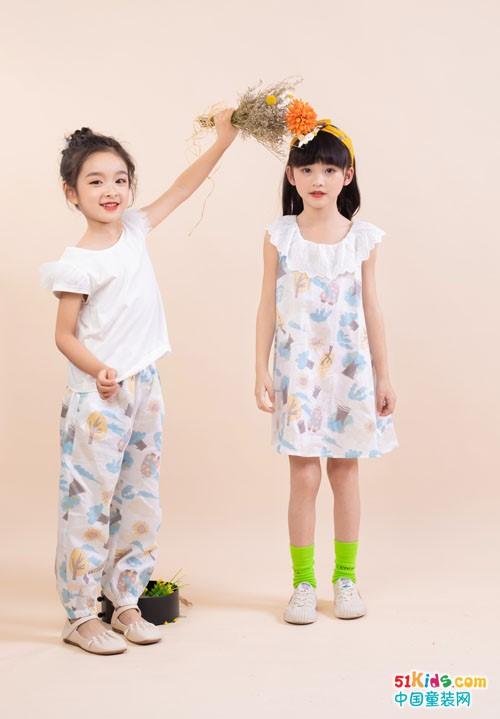今年流行哪些时尚靓丽的休闲搭配?花裤和花裙适合什么场合穿?