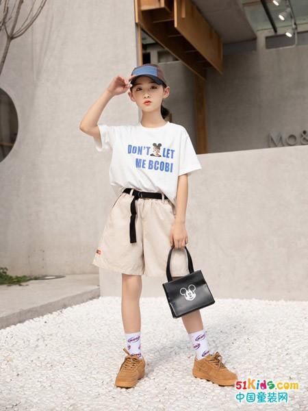 白裙子如何打造童星气场?女孩出街穿什么更吸睛?
