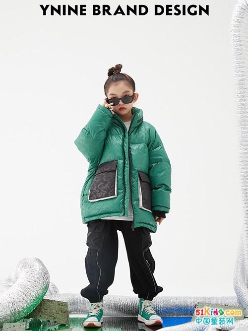2021年秋冬有哪些百搭经典款推荐?女孩怎么穿保暖又显瘦?