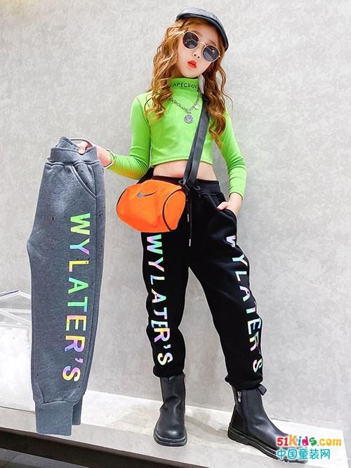 女孩如何搭出炫酷风格?个子不高的女孩怎样穿出一米八的气场?