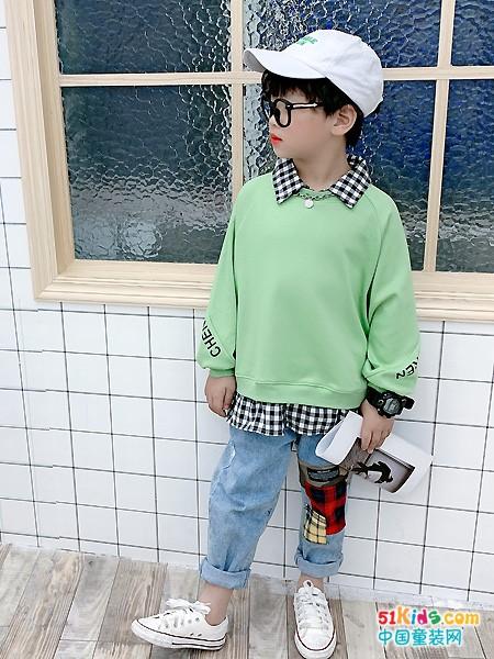 2021年秋季最流行的穿搭有哪些?小男孩穿什么颜色更好看?