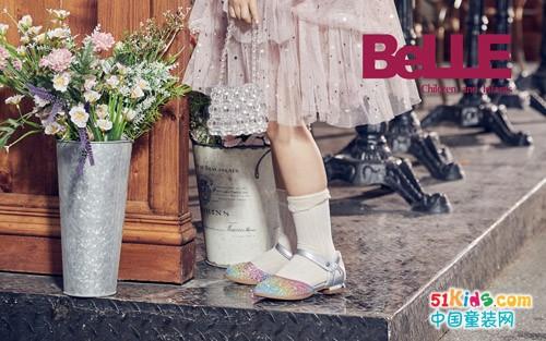 今年流行那款裙子?如何把清新唯美的条纹裙穿出贵族气质?