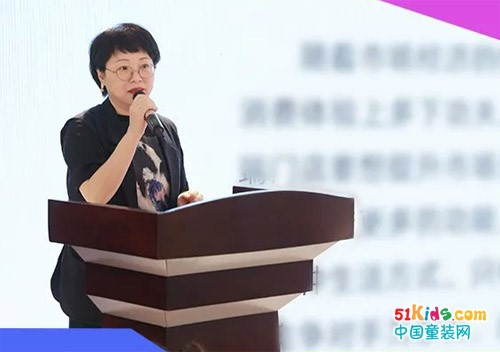 布衣草人2022春夏新品发布会首站告捷