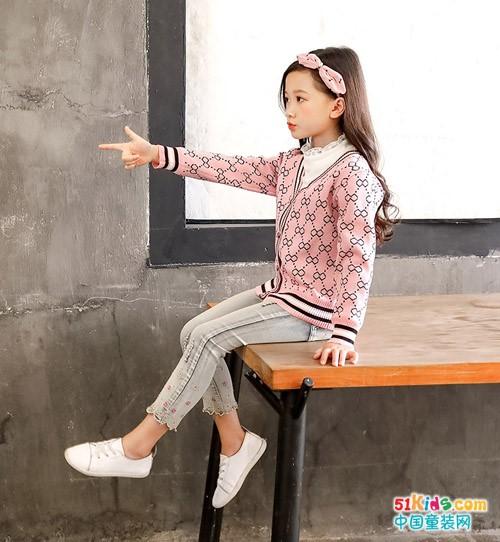 复古风和现代感哪个风格更好看?有哪些复古式女童秋装推荐?