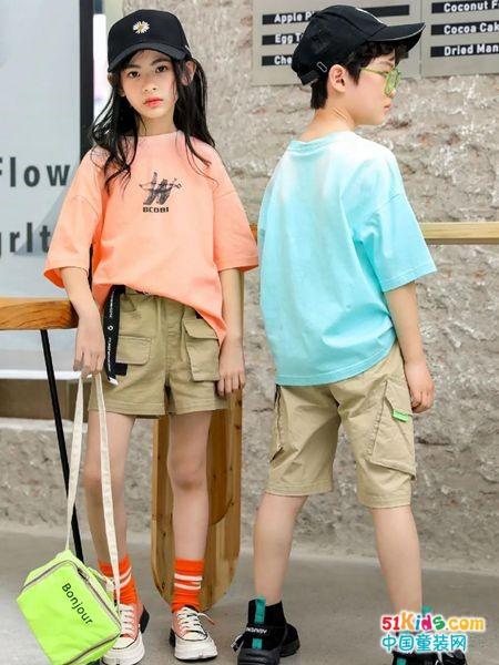 如何通过装扮让孩子酷一点?有哪些男孩女孩穿的中性短裤?