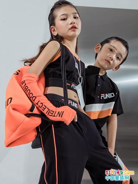 八九岁的 孩子怎么穿更有个性?黑色运动装怎么搭更炫酷?