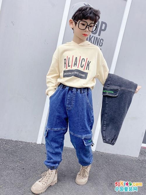 如何把格子衬衣穿出高级感?什么颜色的牛仔裤和白T更搭配?