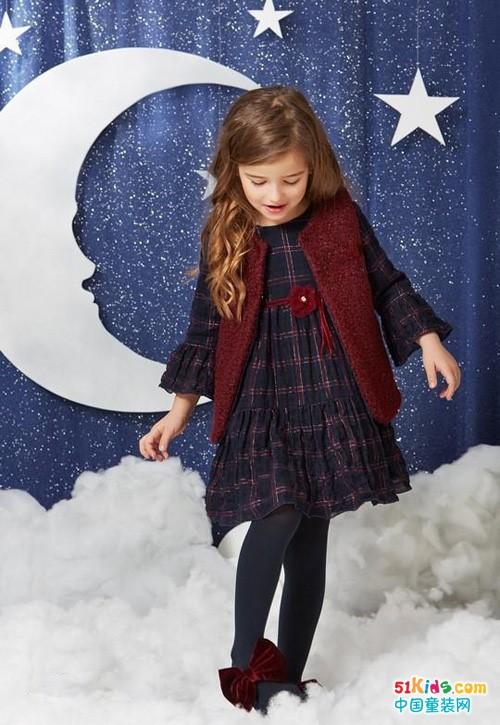 2021年秋冬季有哪些爆款裙装?如何把裙子穿得温暖又漂亮?