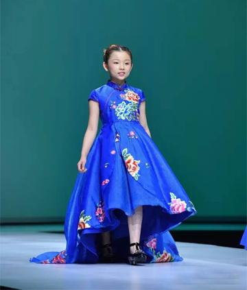 中国风度 世界瞩目――中国国际时装周汪小荷专场秀震撼登场