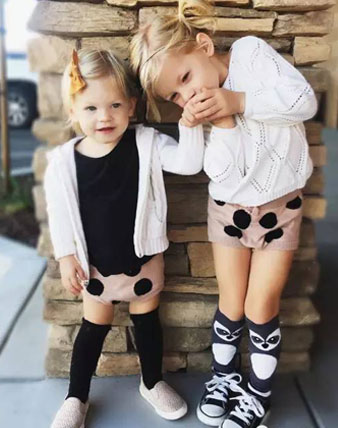 家有两宝就是好,亲子装姐妹装怎么看都养眼!