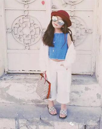 衣品果然要从小抓起,7岁小小美少女也能气场一米八!