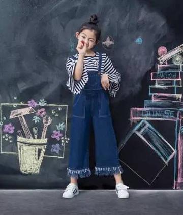 【星时尚】贝贝依依携手《楚乔传》小童星打造秋日时装新潮流