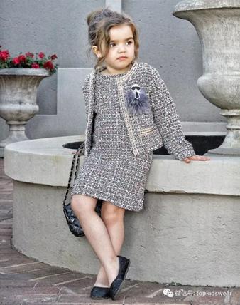 那些背Chanel包包的小美女们,秋冬季节照样时尚有型!