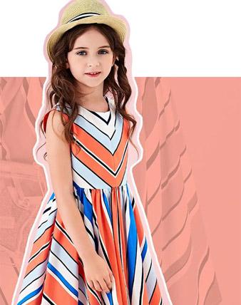 连衣裙里的夏天,被风吹过的童年