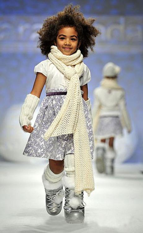 意大利佛罗伦萨儿童时装秀_服装设计 - 中国童装网图片
