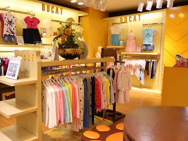 20多平米的童装店 20几童装店效果图